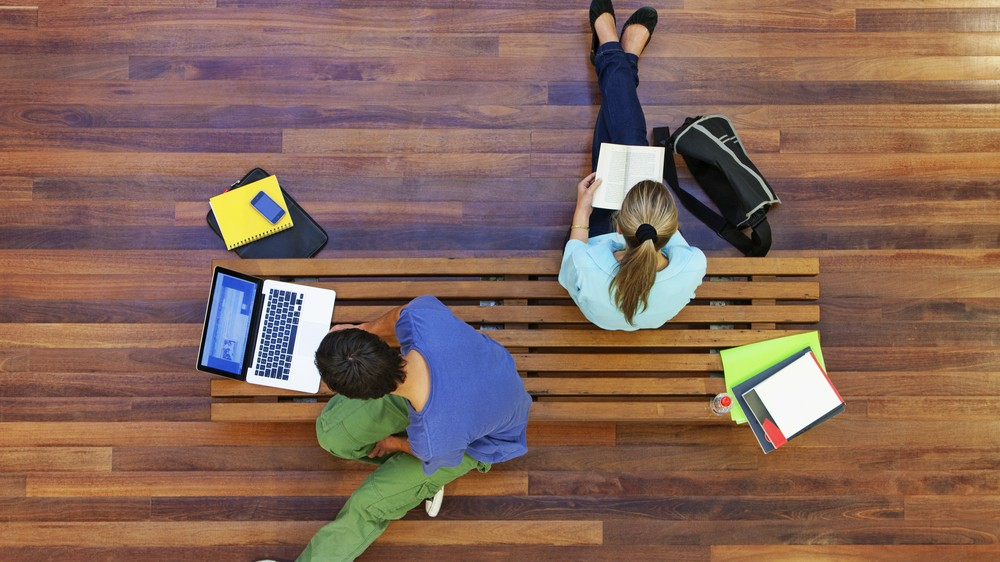 Jobstudenten in de zorg Des étudiants jobistes dans les soins