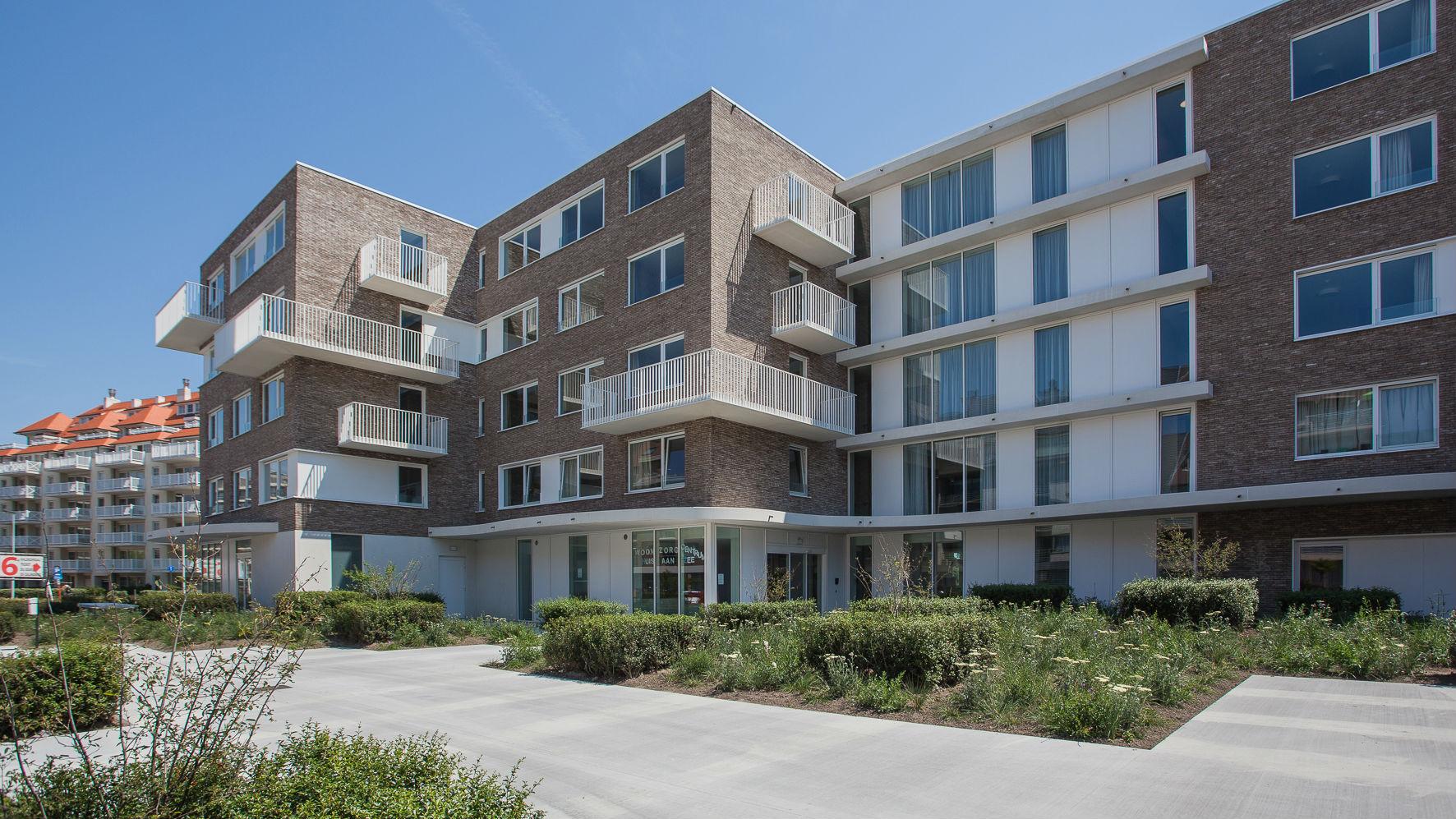 WZC Huis aan Zee: gezellig functioneel, teamspirit en integratie met omge